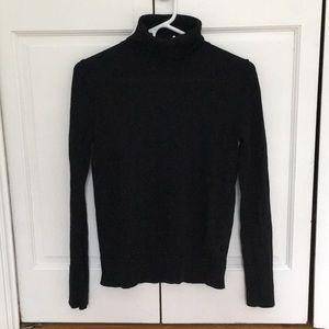 Black gap turtleneck sweater in merino wool.